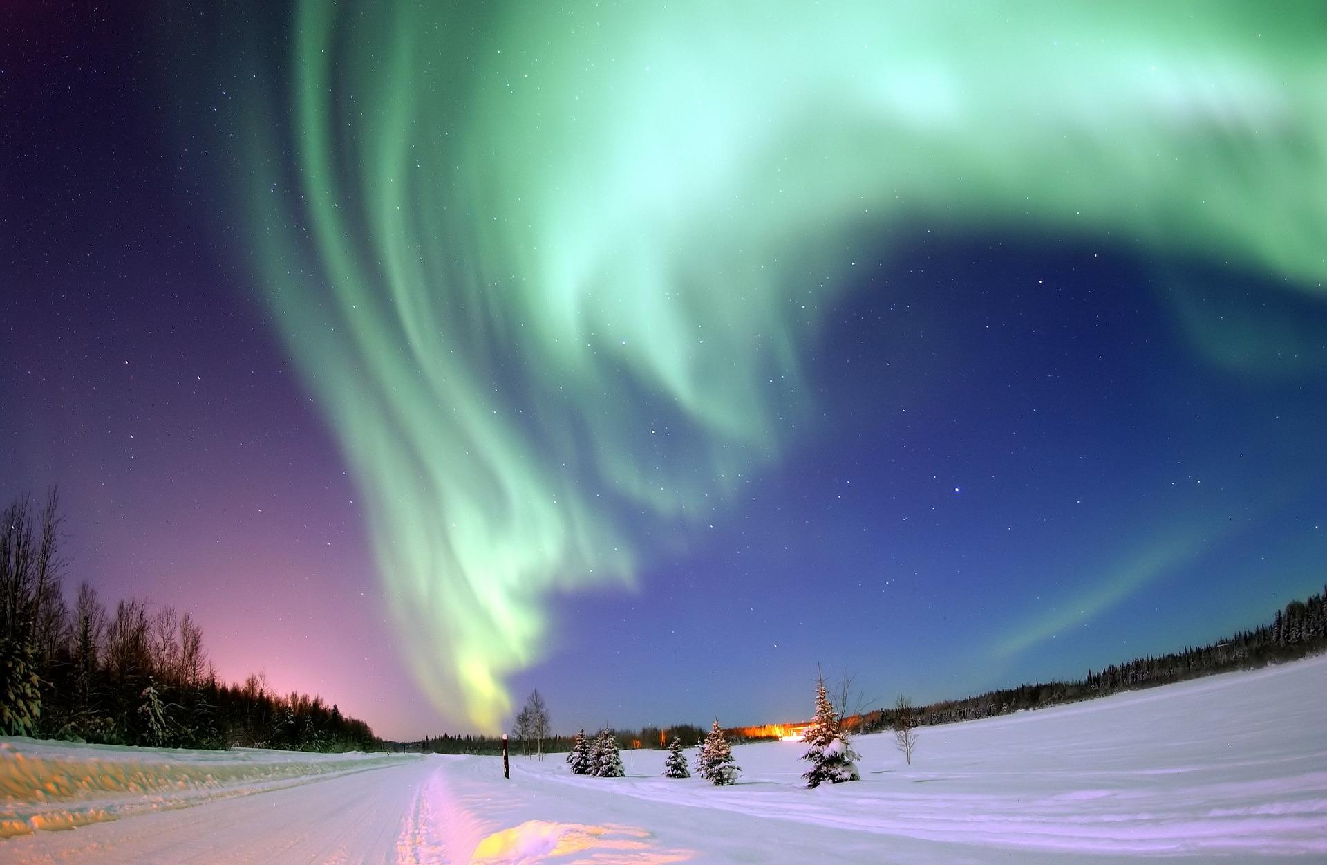 aurora-borealis-69221_1920 (1)